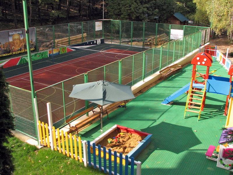 Спортивная и детская площадки Чайка