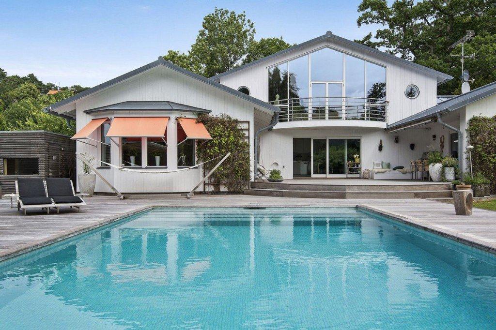 Красивый дом с бассейном картинки