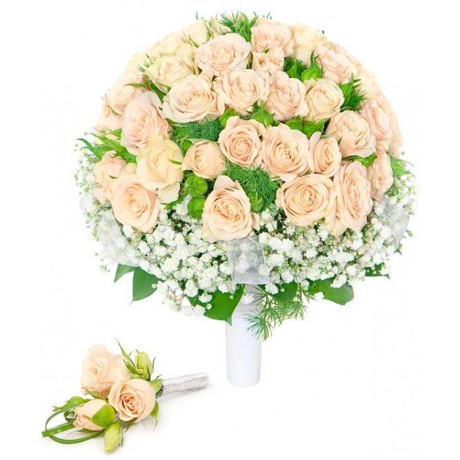 Свадебный букет из кустовых роз и гипсофилы