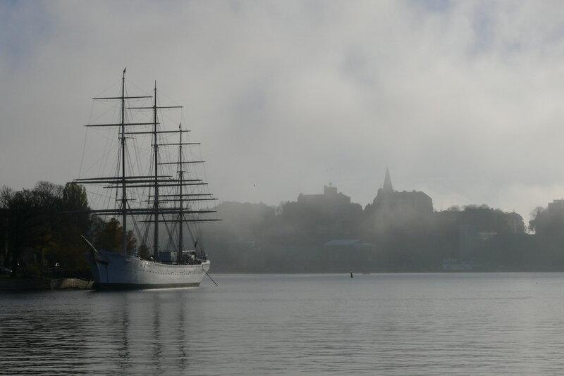 туман в швеции и корабль
