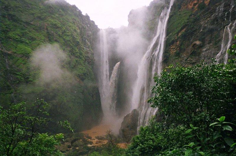 Водопады Индии – фото. Описание водопадов в Индии Водопады Индии · Водопады Индии ...