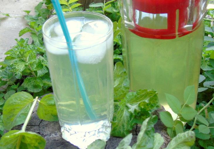 Базиликово-лимонный  напиток