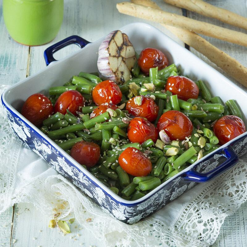 Рецепт - Фасоль зеленая с черри, чесноком и фисташками - с фото