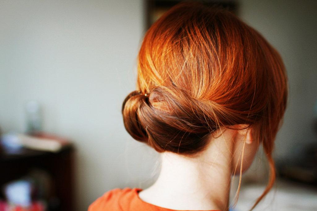 рыжая девушка сзади фото