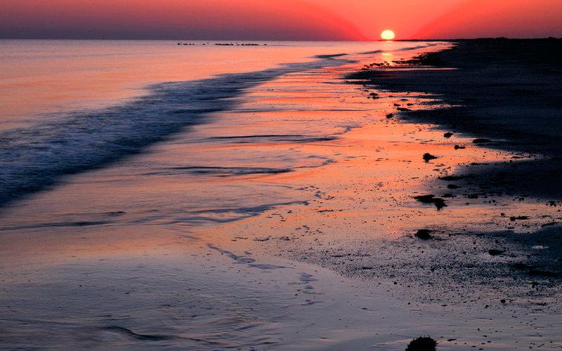 Закат солнца на побережье