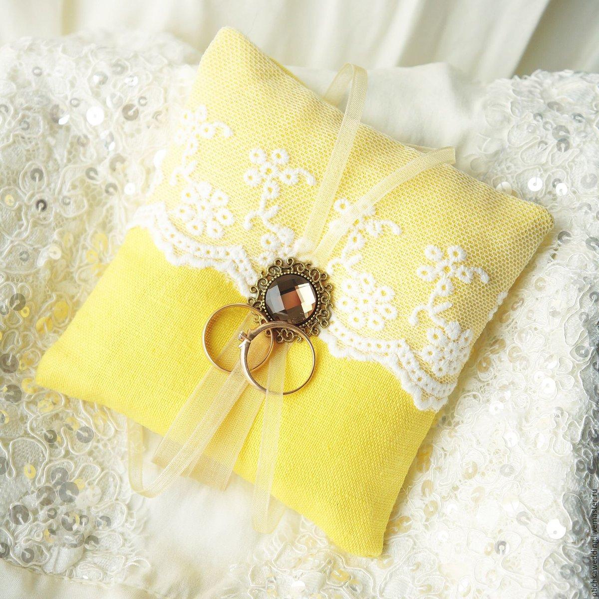 подчеркивает, подушечки для колец на свадьбу фото таких спутников нам
