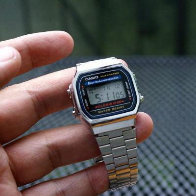 И судя по весу, часы можно было использовать для самообороны.