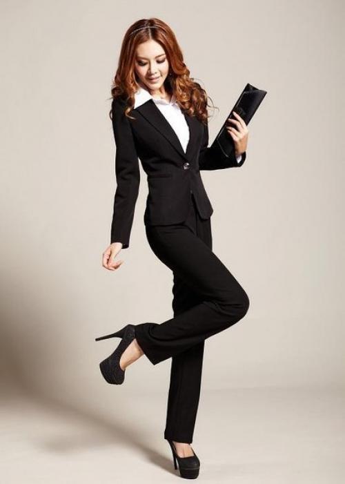 Женский строгий костюм