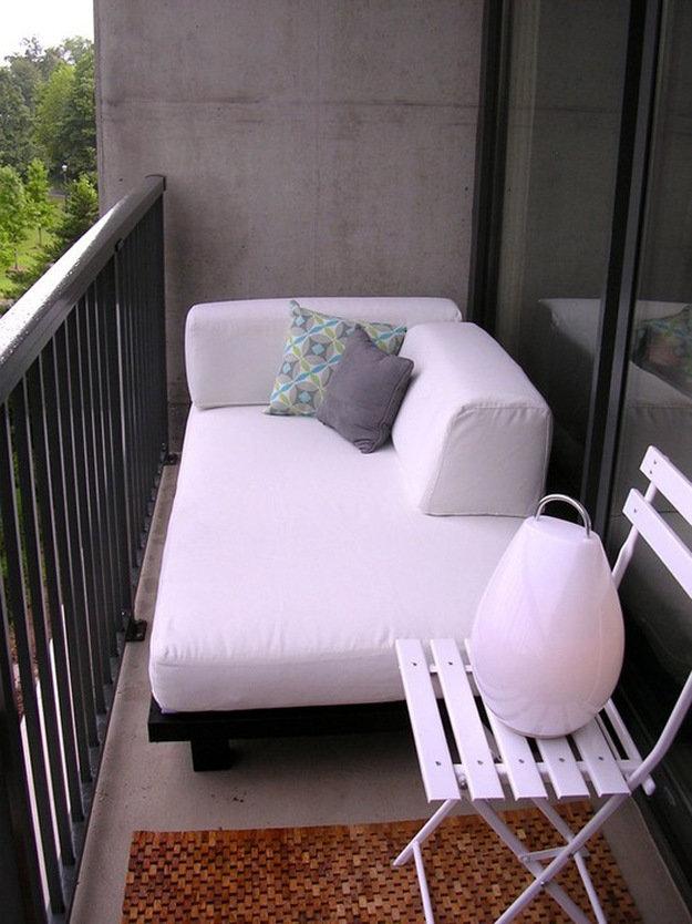 """Диван-кровать на балконе. отличное решение."""" - карточка поль."""