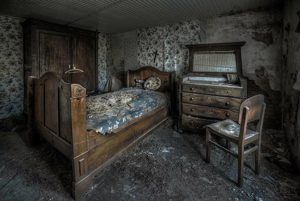Картинка старинной комнаты