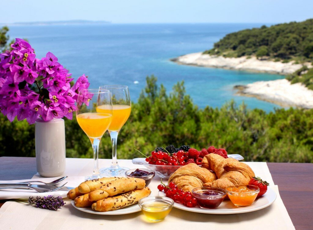 Красивый завтрак у моря картинки идеале курочку