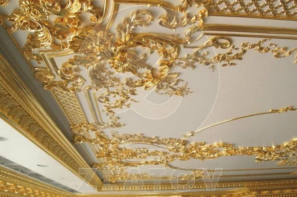 лепнина на потолке с золотом фото