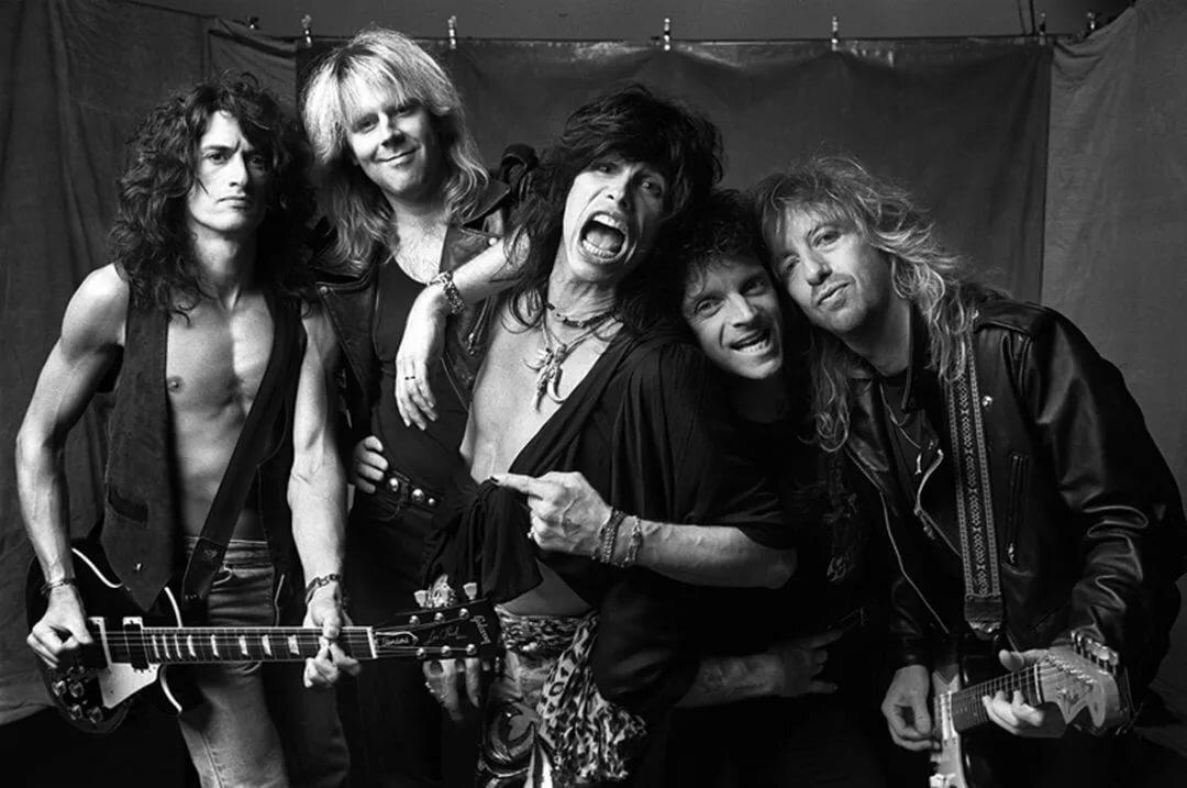 фото известных рок групп в молодости сотен людей повреждены