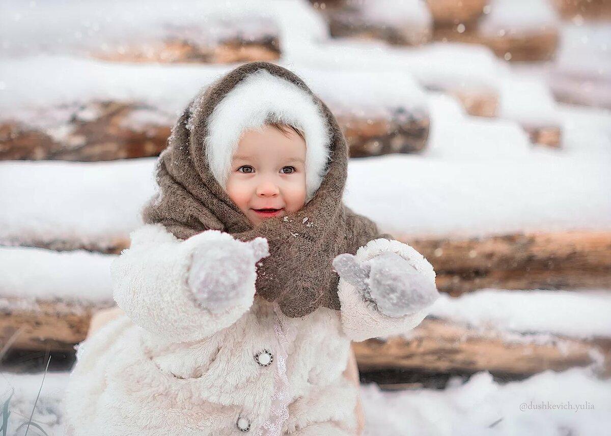Картинки малыши в снегопад