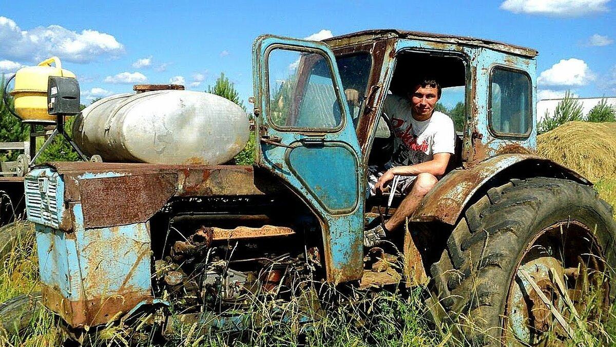 В картинках приколы на тракторах