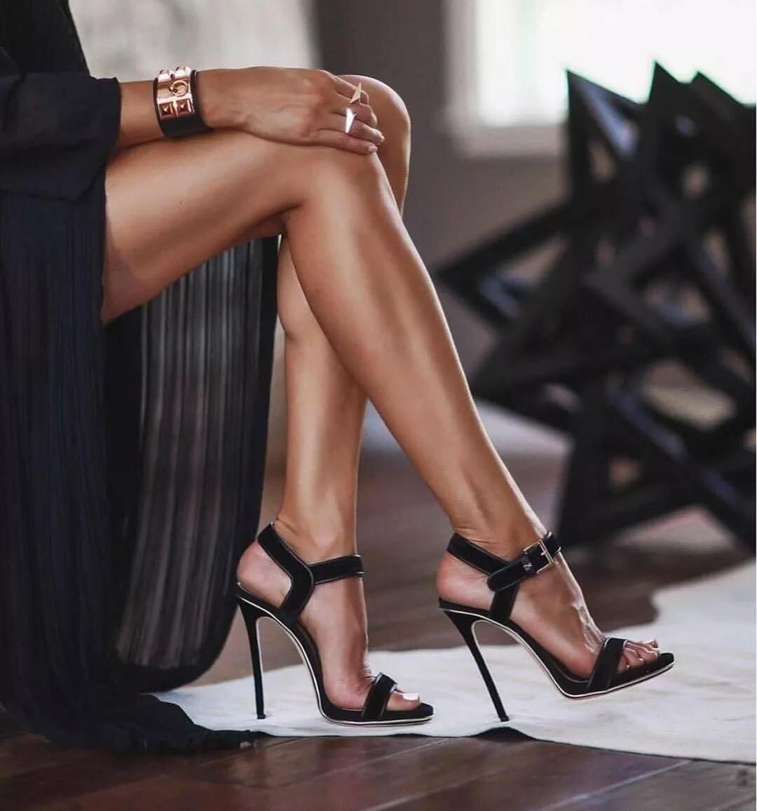 Красивые картинки с женскими ногами