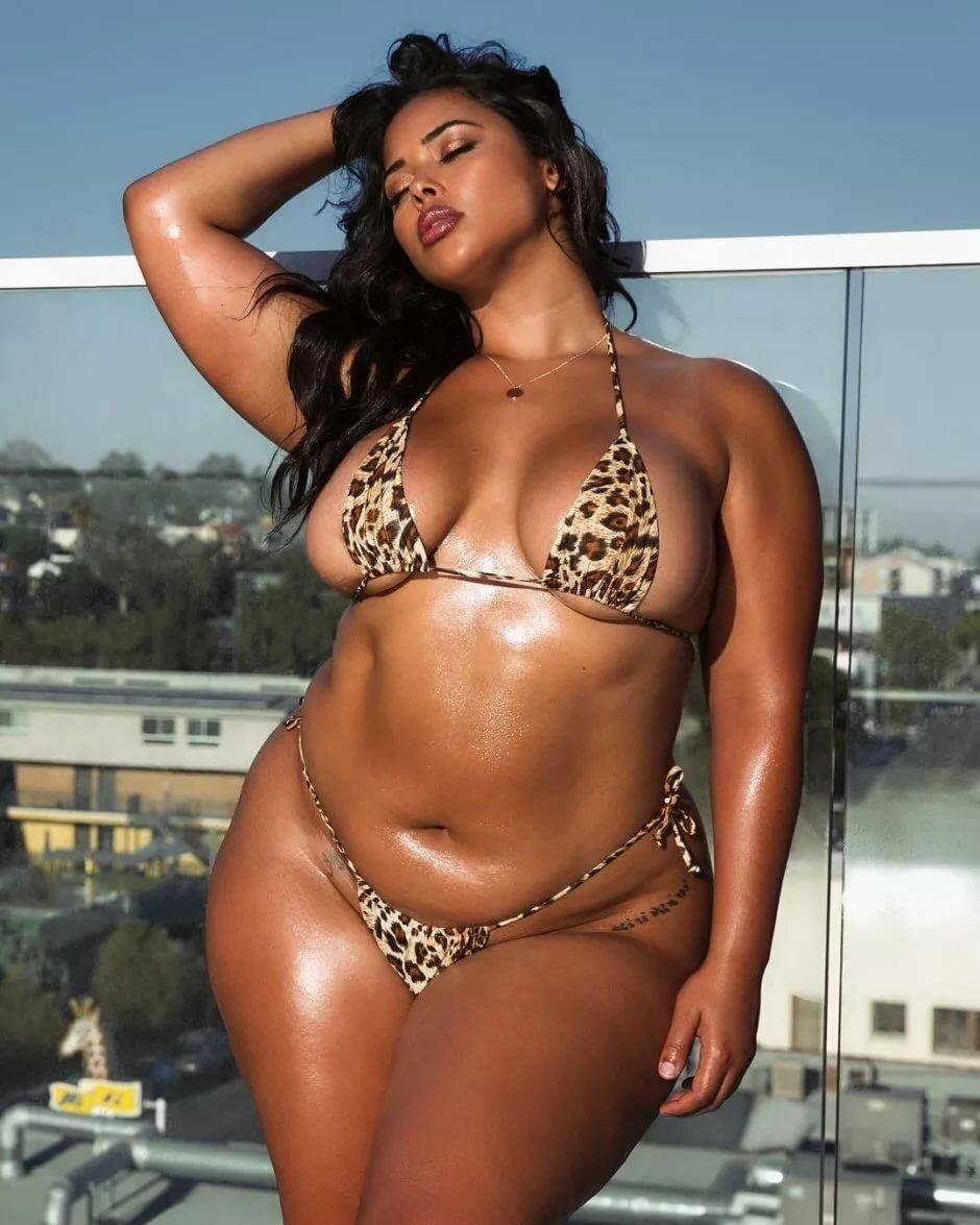 сексуальные толстушки африканки извергая огромную