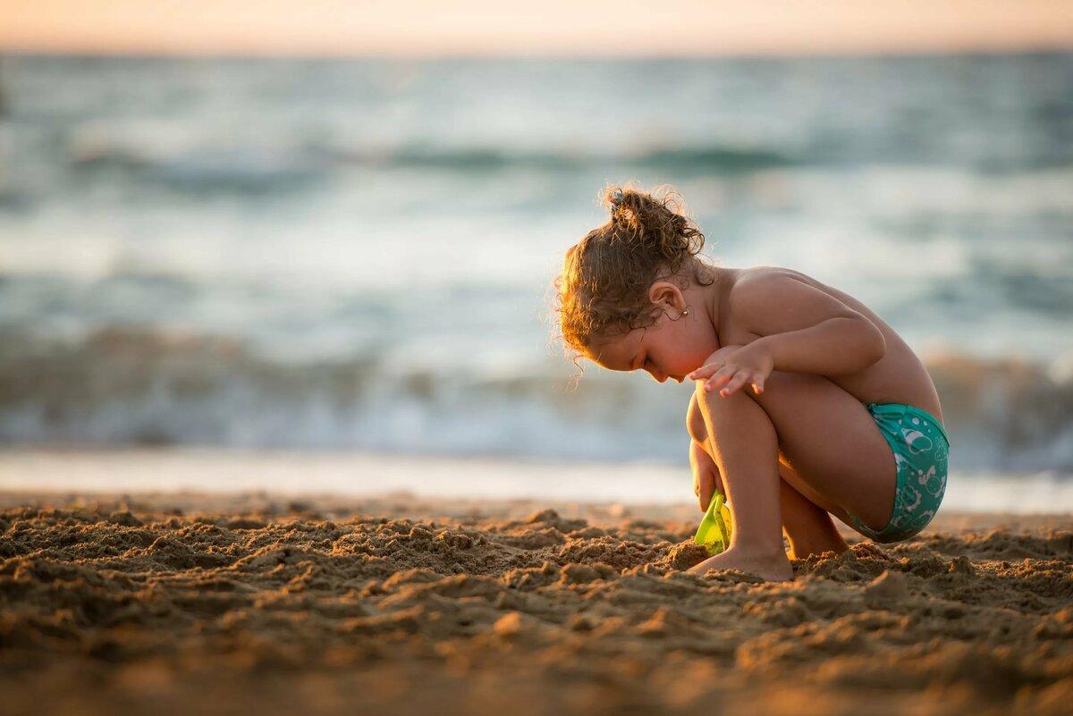 Naturists defend nude family swim against parents paedophile fears