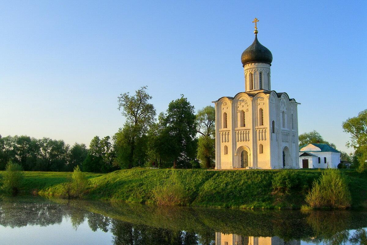 14 октября 1165 года завершено строительство храма Покрова на Нерли