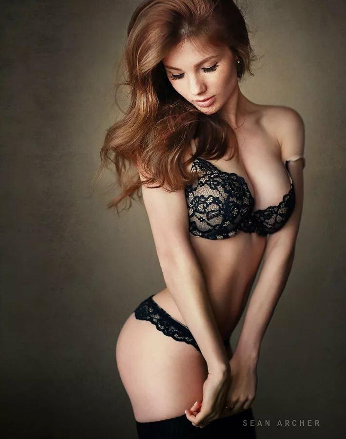 ann-archer-topless-men-rubbing-naked-girls-pussy