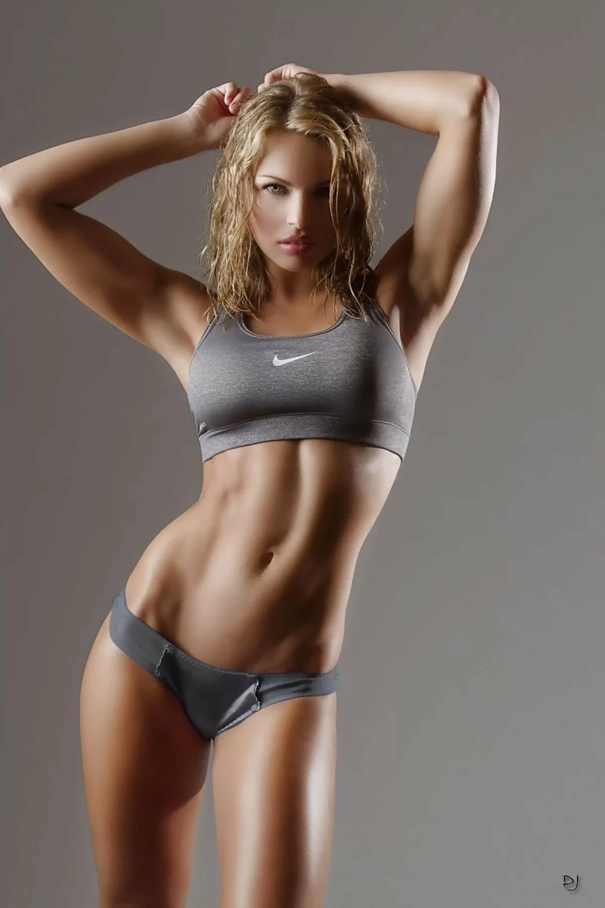 Nude Athletic Girls