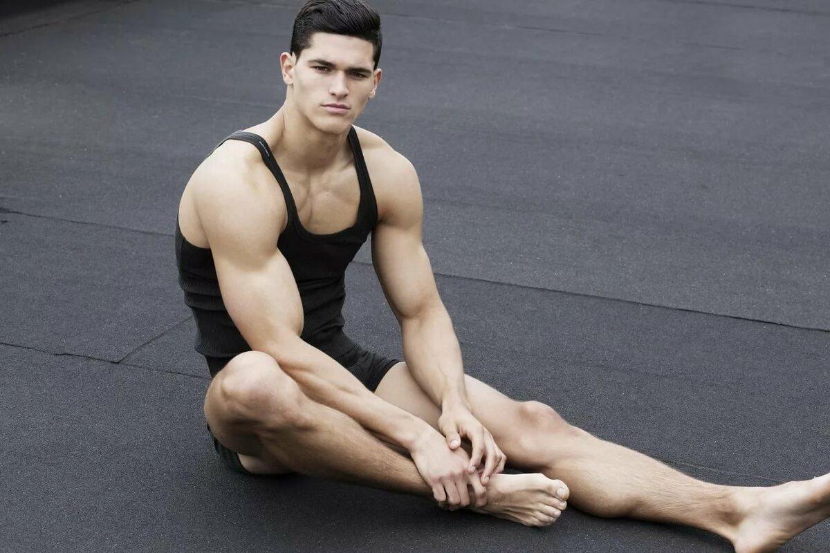 фото моделей мужчин гимнастов цветут луковичные, начинают
