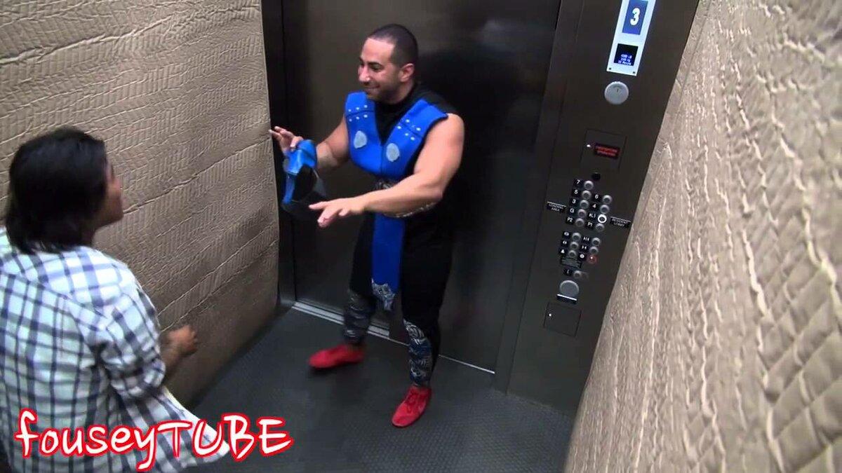 приколы в лифте ролики анальный секс