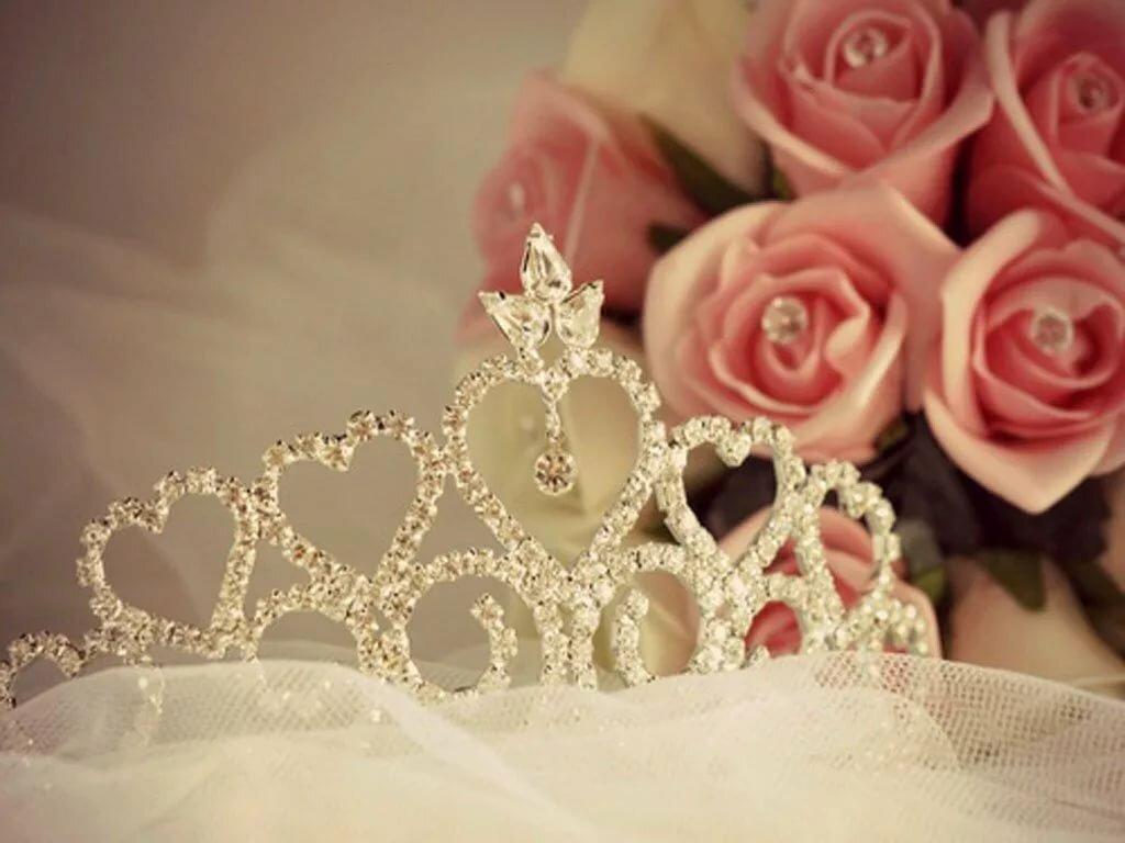корона с цветами картинки отвечает военную