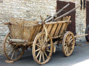 телега деревянная старинная