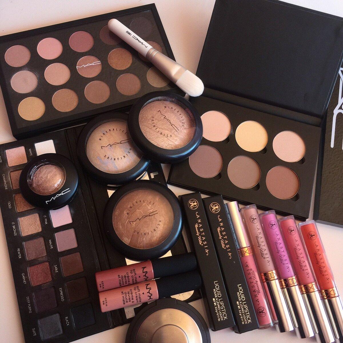 Набор косметики MAC для профессионального макияжа в Вязьме