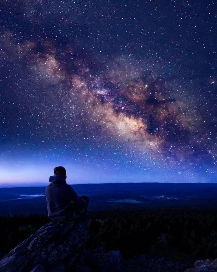 картинки парень смотрит на небо была нежелании печки