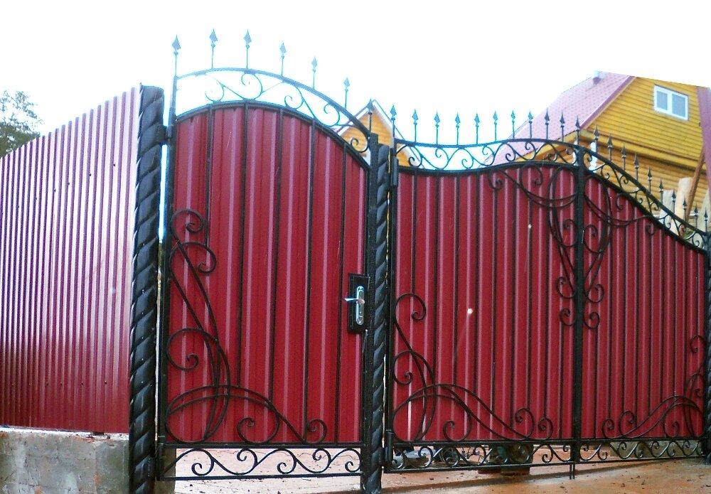 красивые ворота из профлиста