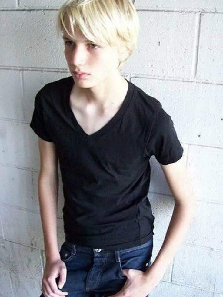 Babe fucked by cute teen boy
