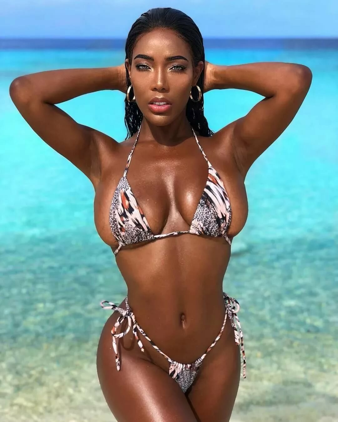 Hot black brazilian women — pic 1