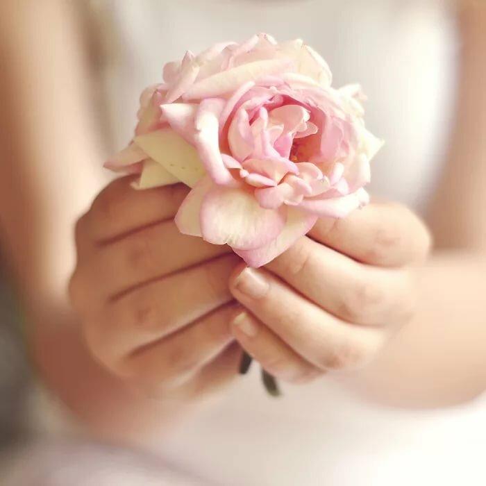 Поздравление любовь ладонью