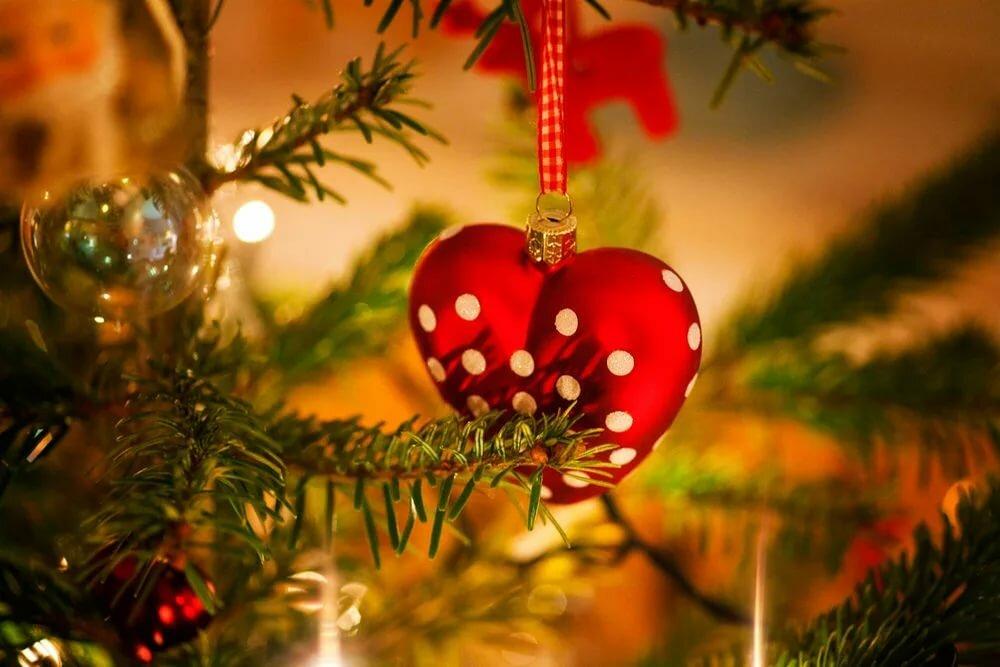 информации картинки сердечки на елке вообще