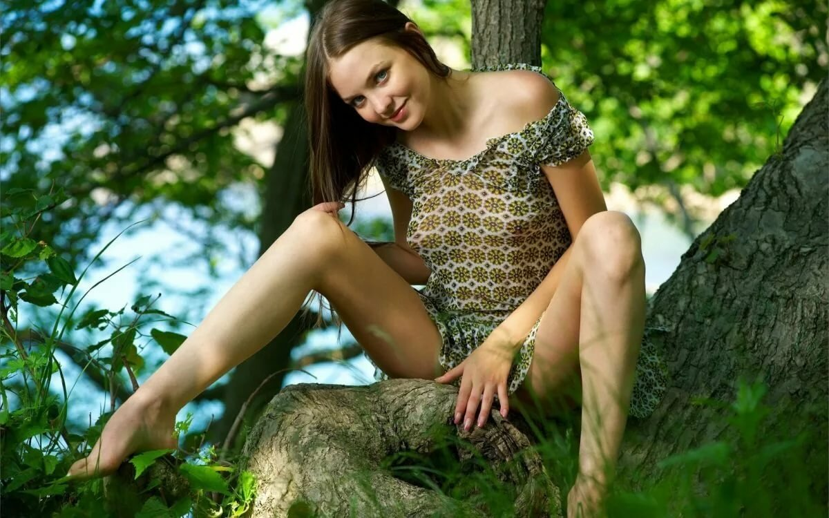 голые на природе девушки молодые
