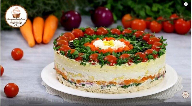"""Слоеный салат """"Застольный гость"""""""