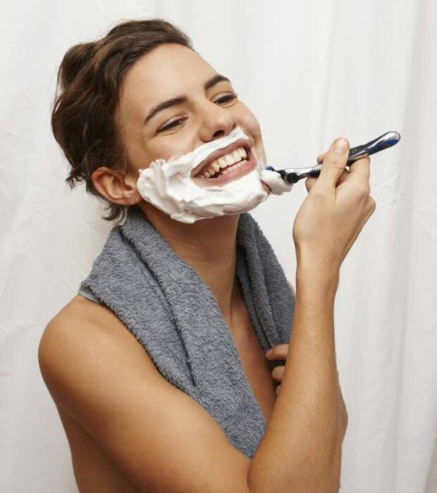 Картинки девушки бреются