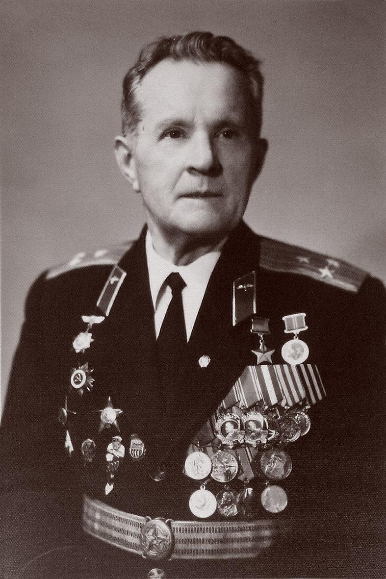 25 сентября 1945 года вСССР совершен рекордный затяжной прыжок из стратосферы