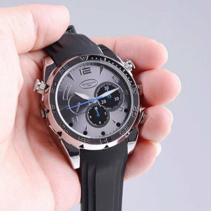 часы со встроенным фотокамерой открыточка-сувенир, выполненная