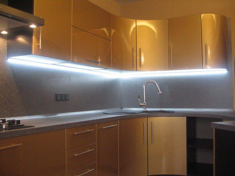 как повесить светодиодную ленту на кухне