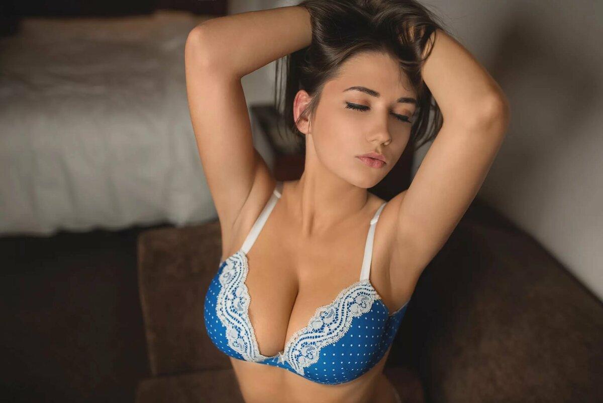 Эротическое фото очень красивые девушки в бюстгальтерах пизду порно