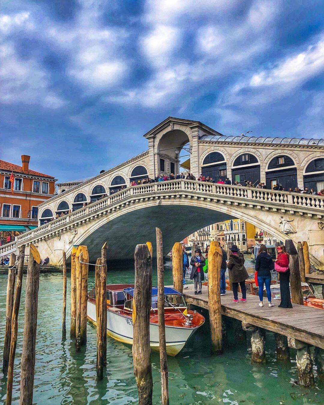 куртку зимнюю мост риальто в венеции фото кого