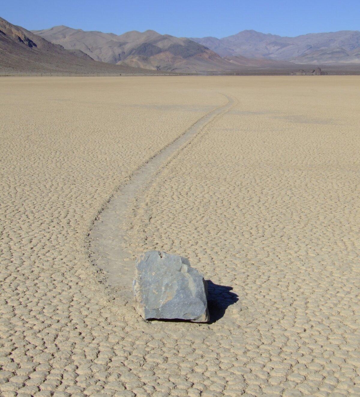 картинка движущийся камень очень