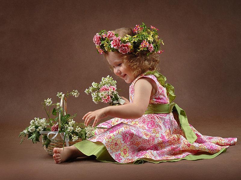 Открытка дети цветы