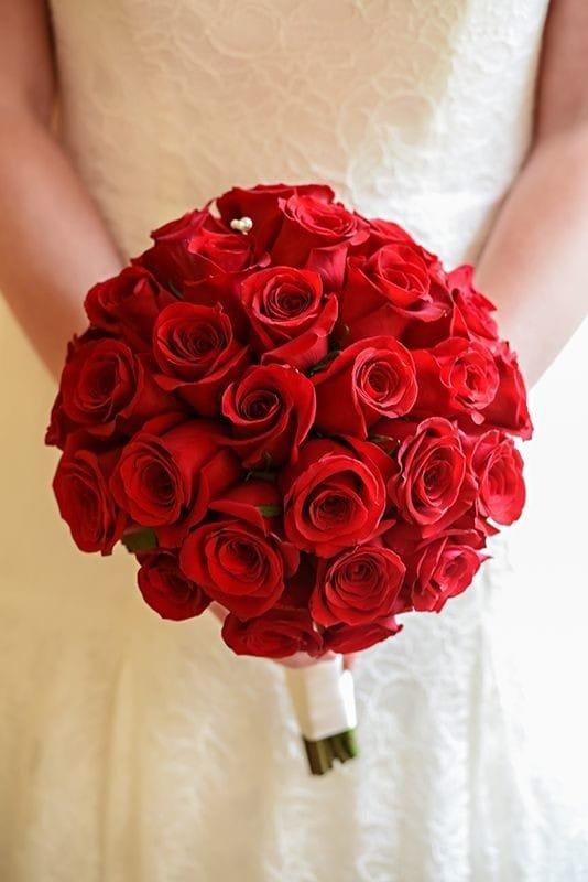Состав свадебный букет розы и алые, букеты оригинальные