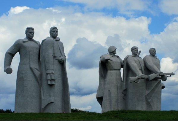 Памятник Героям Панфиловцам. Волоколамский р-н