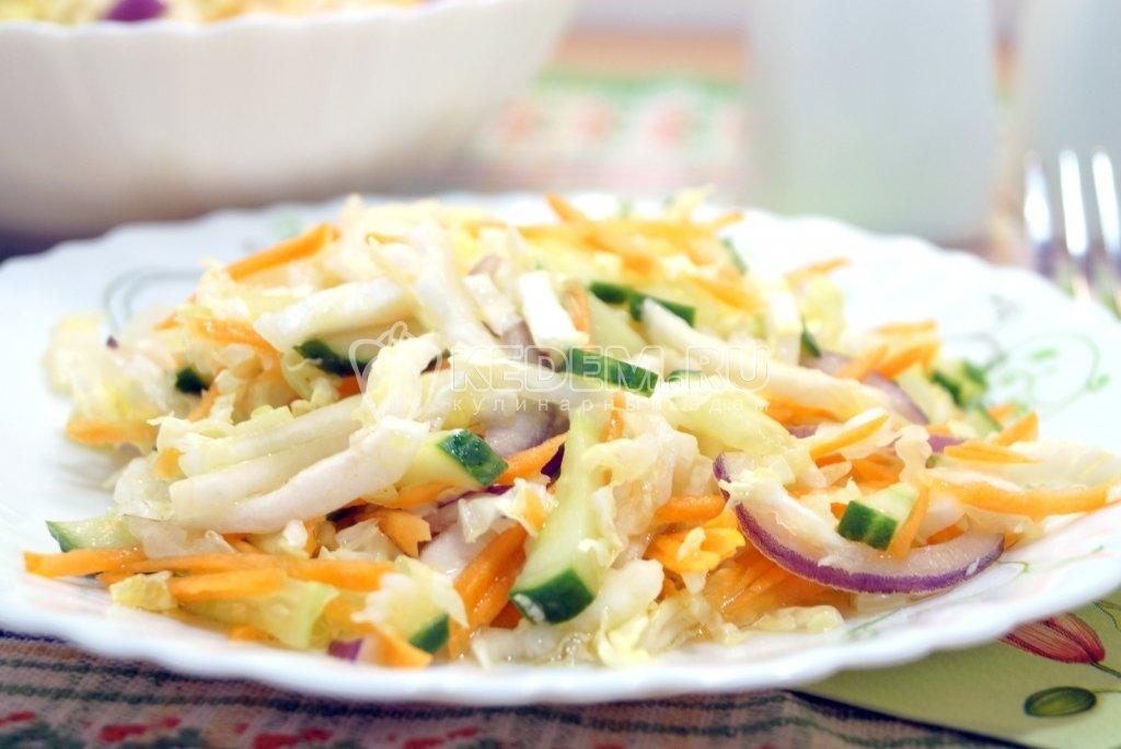 самый простой салат из пекинской капусты