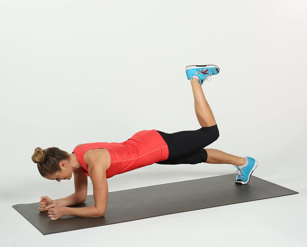 Упражнение Планка Для Похудения Живота Фото. Планка для похудения: как выполнять упражнение начинающим, таблица на месяц